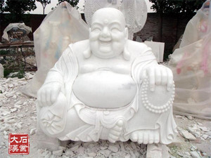 弥勒佛雕像